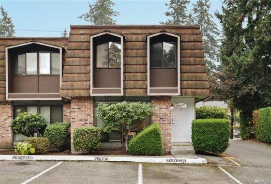 end unit woodhaven lynnwood townhouse