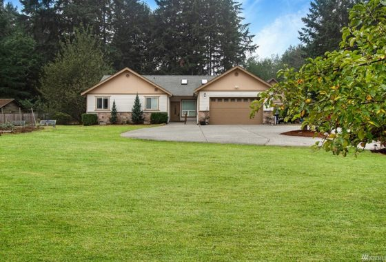 bothell rambler on 1 acre lot